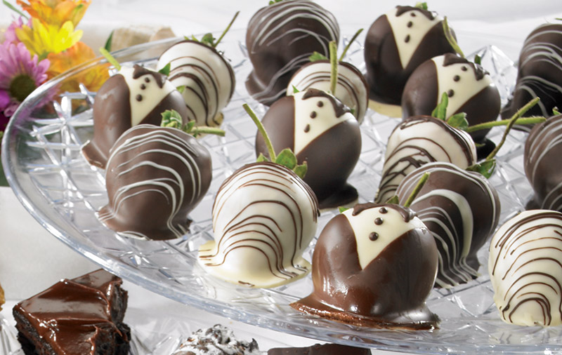 chocolate covered tuxedo strawberries